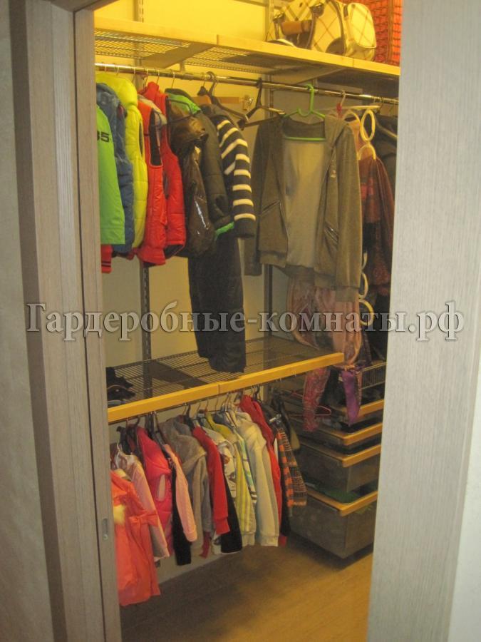Фото гардеробных в прихожей - 2 фото.
